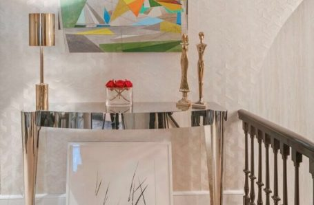 Ellen Hermanos and David Collins featured in Holiday House 2019